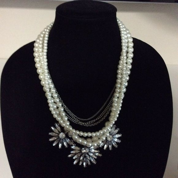 Sugarfix Necklace Pearl Jeweled Flower Pendant